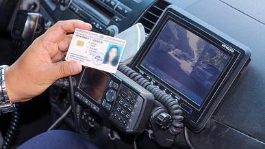 За что полицейские могут забрать водительские права