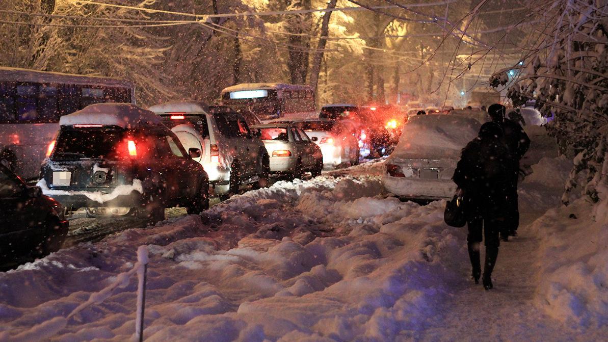 Сильный снегопад в Алматы уже 13 ноября