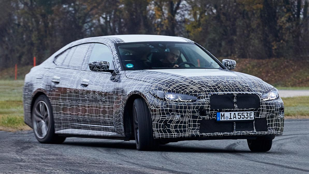 BMW показала испытания электрической i4