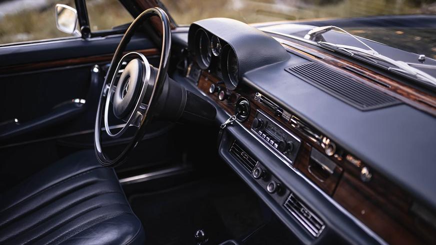 Интересные объявления на Kolesa.kz: от Mercedes-Benz 300 SEL до BMW i8