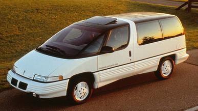 Pontiac Trans Sport: ржавчины не боится, салон просторный, дизайн космический, а цена – нет