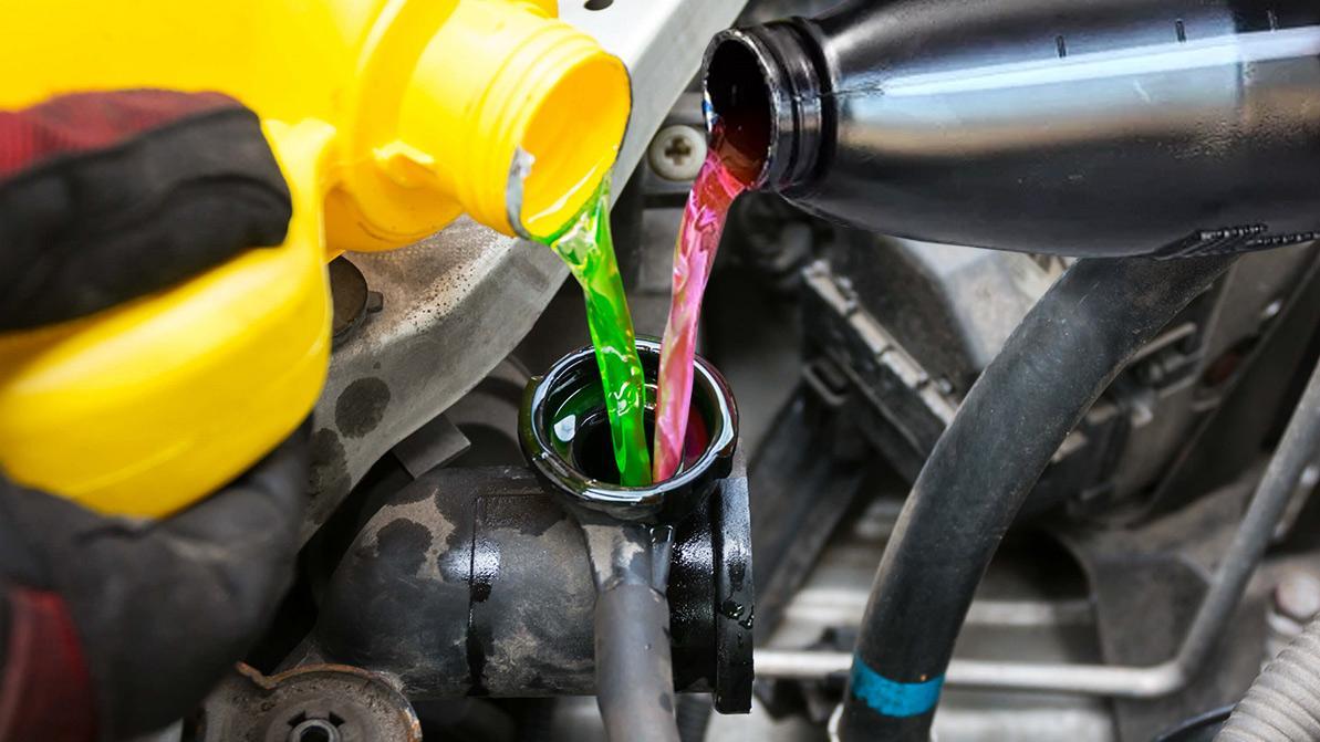 Охлаждающая жидкость. Какую лить: красную или зелёную?