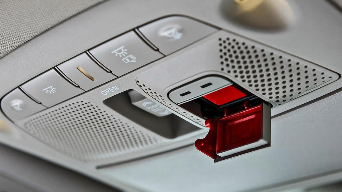 Машины без кнопки SOS разрешили выпускать в ЕАЭС