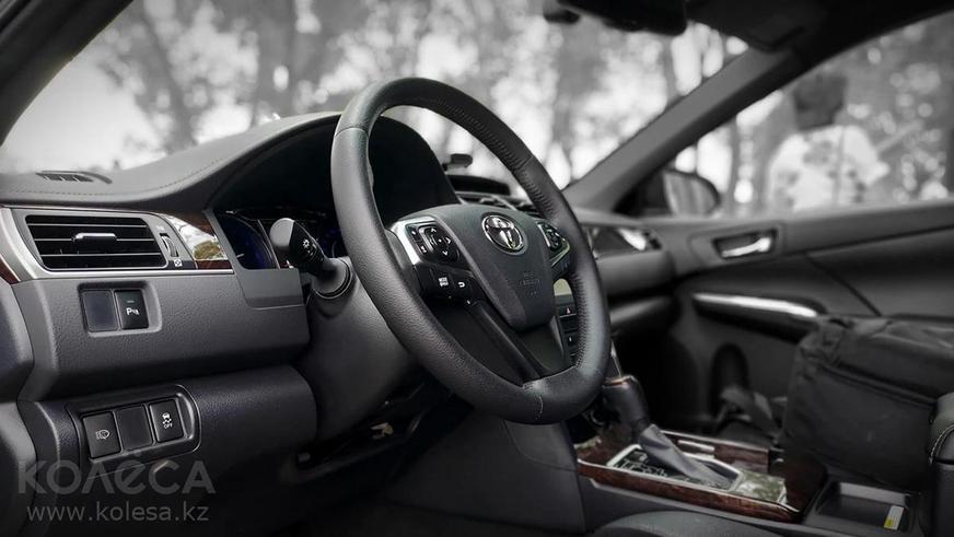 Toyota Camry XV55 по цене новой XV70