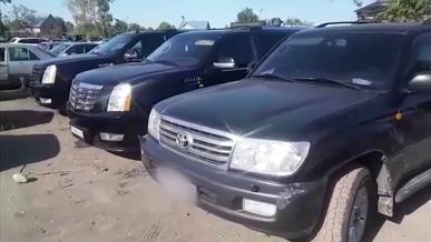 «Битва» за место позади автомобиля с молодожёнами закончилась штрафстоянкой