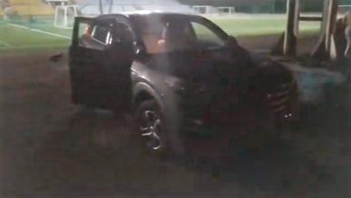 Пьяный водитель гонялся за людьми на стадионе в Алматы