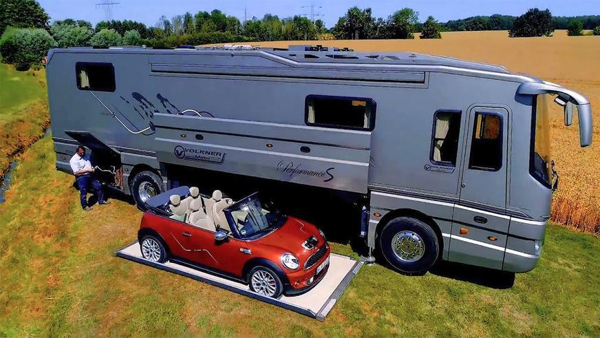 Автодом с гиперкаром Bugatti «в подвале»