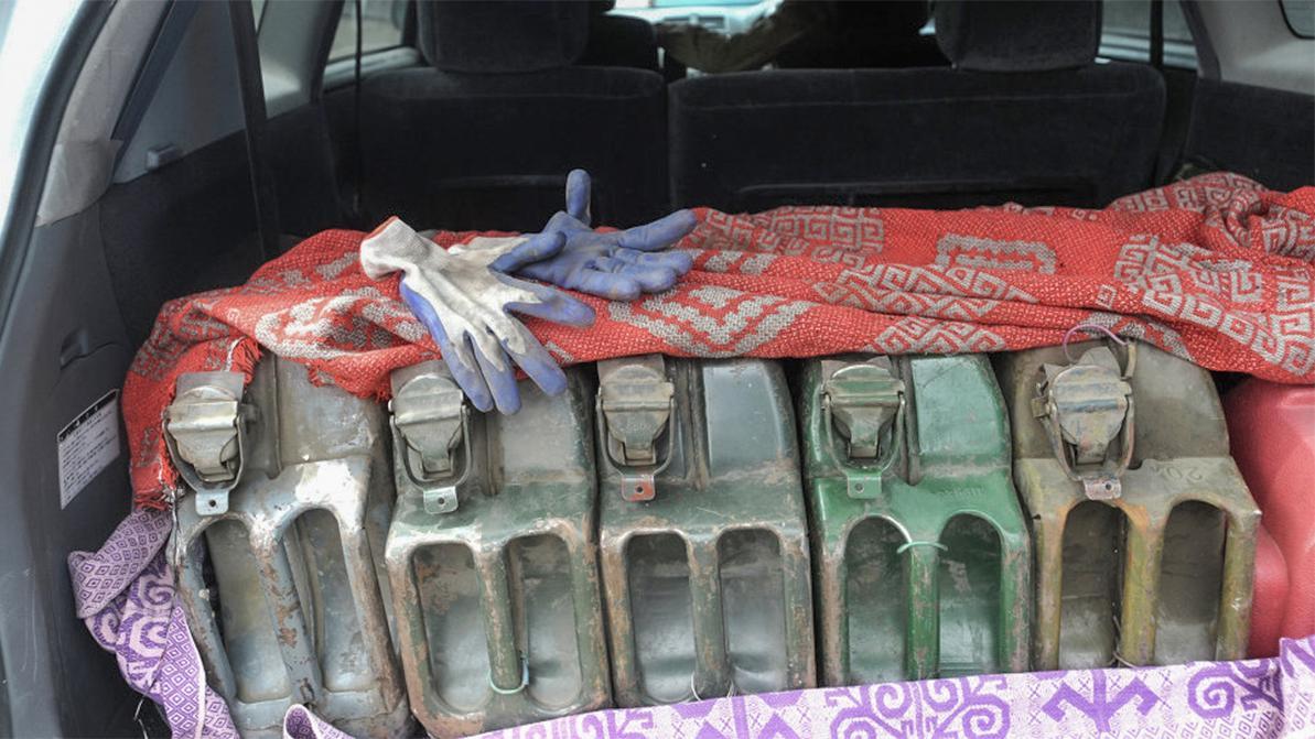 Больше канистры нельзя! Бензин и дизель запретят вывозить на автомобилях из Казахстана