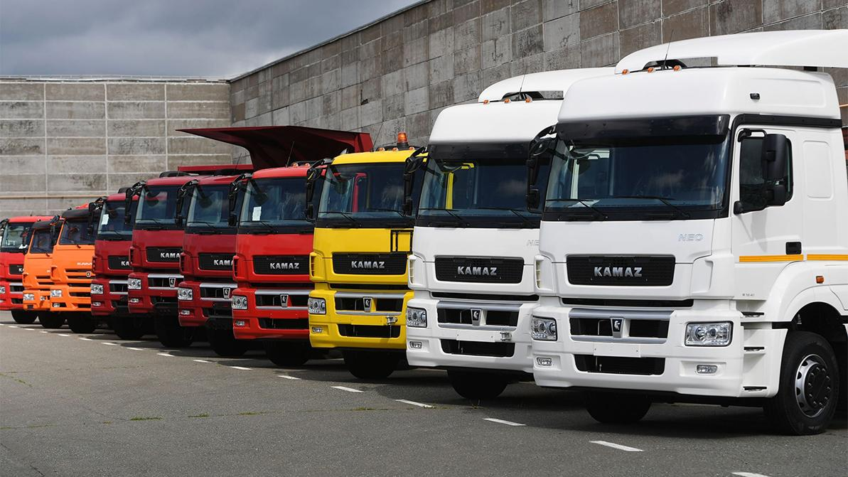 Пересмотреть утильсбор на грузовики поручил президент РК
