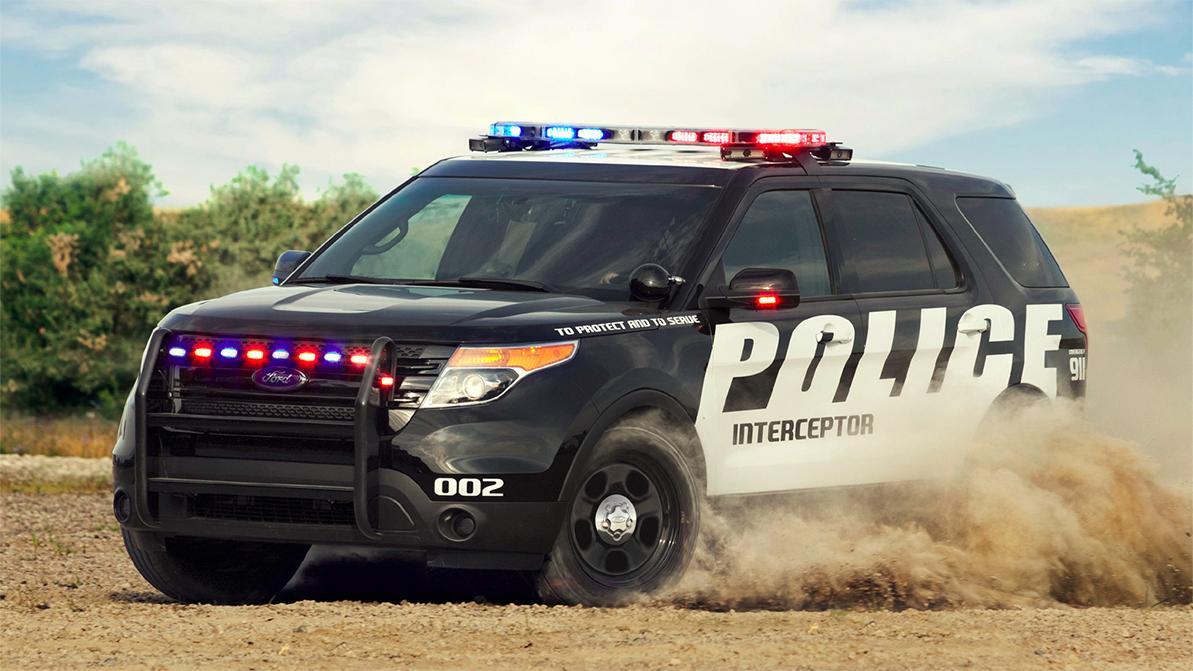 ford-explorer-police-pink-5