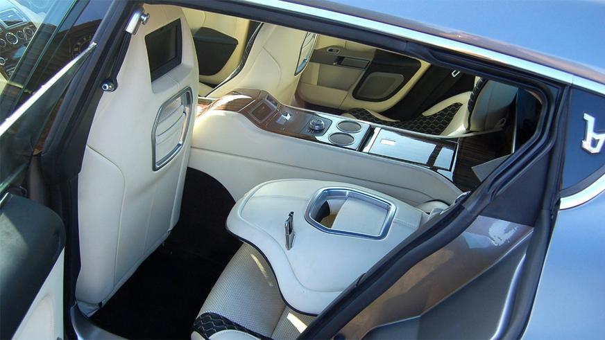 Продаётся 477-сильный Aston Martin Jet 2+2