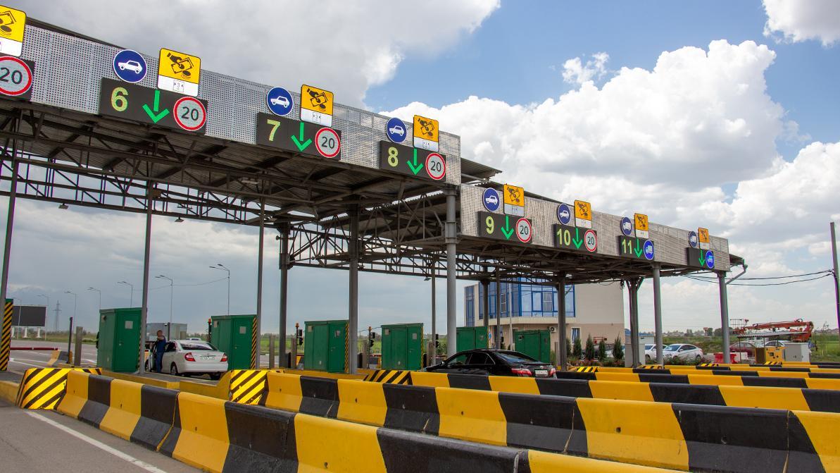 Повышать стоимость проезда по платным дорогам в Казахстане не будут