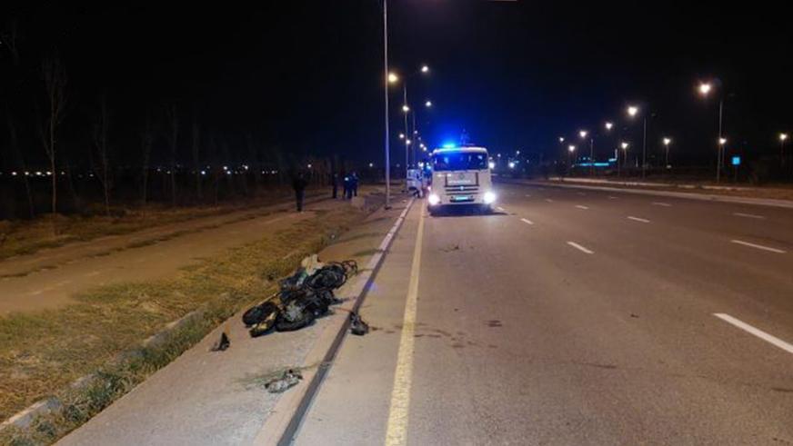 На 60 метров отлетел водитель мопеда после столкновения с BMW в Алматы
