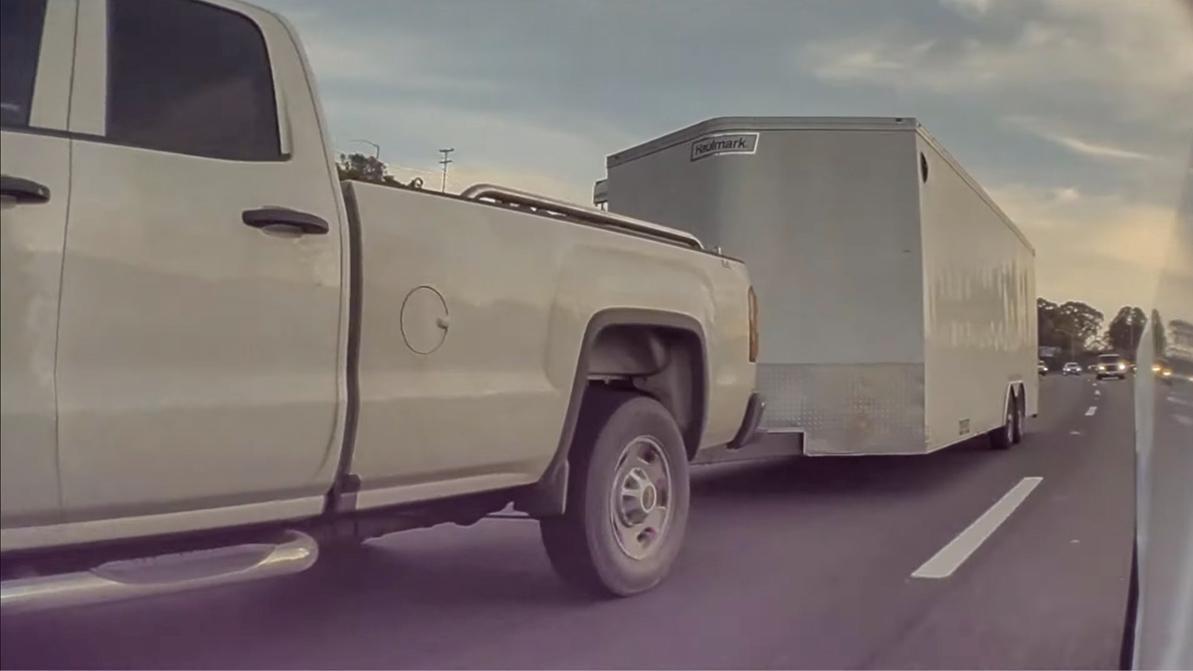 Как «теслы» уворачиваются от невнимательных и агрессивных водителей