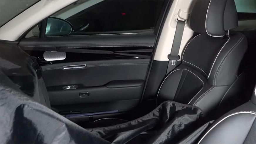 Tesla внедряет сенсорный селектор передач