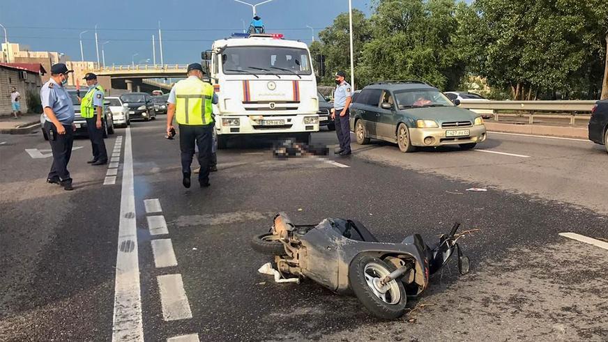 Мопедист попал под колёса КАМАЗа в Алматы