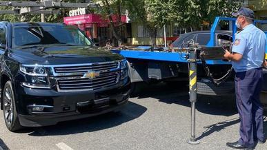 Chevrolet Tahoe на штрафстоянку за долги по налогу