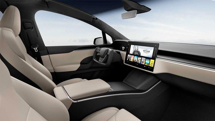 Tesla обновила Model S