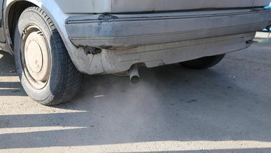 Увеличить штрафы за грязный выхлоп попросил правительство аким Алматы