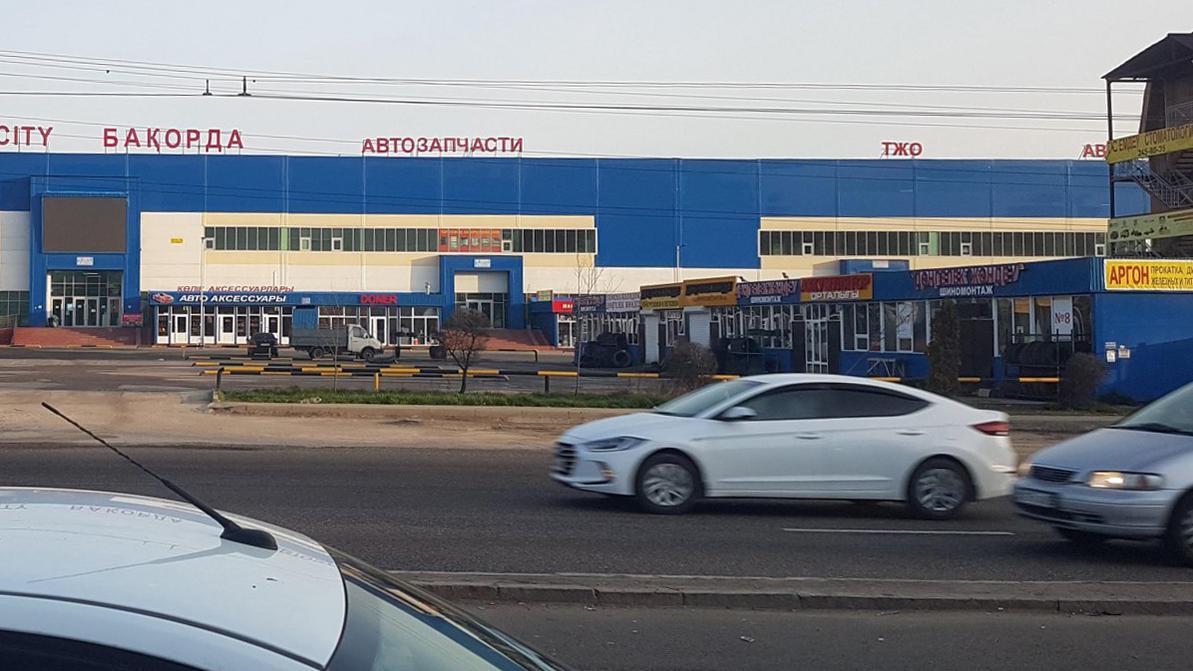 Крытые авторынки и крупные магазины автозапчастей откроются в РК с 17 августа