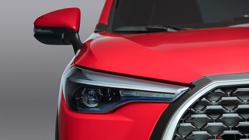 У кроссовера Toyota Corolla появилась версия с левым рулём