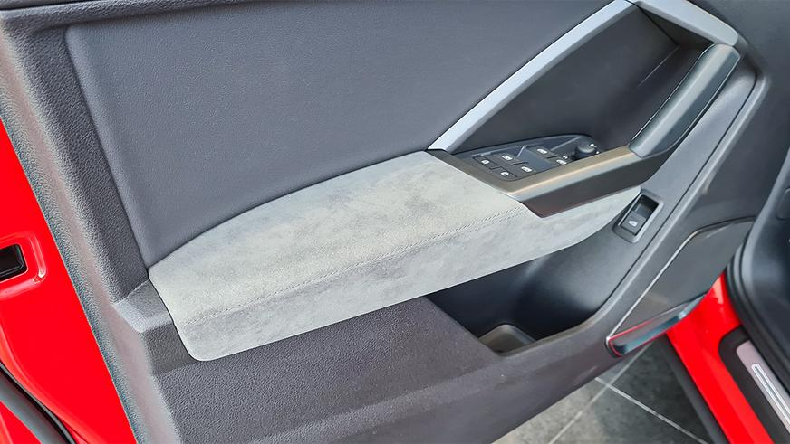 audi-q3-6Первые Audi Q3 второго поколения добрались до Казахстана