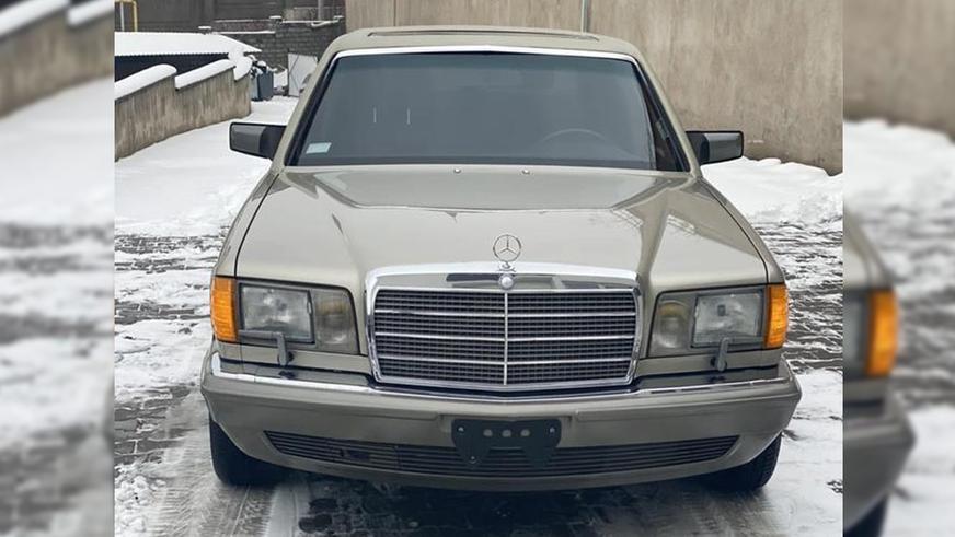 mercedes-benz-s-300-1Шестиметровый 300 SEL (W126) выставили на продажу на Kolesa.kz
