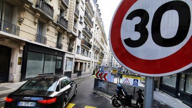 В Париже снизили скоростной предел до 30 км/ч