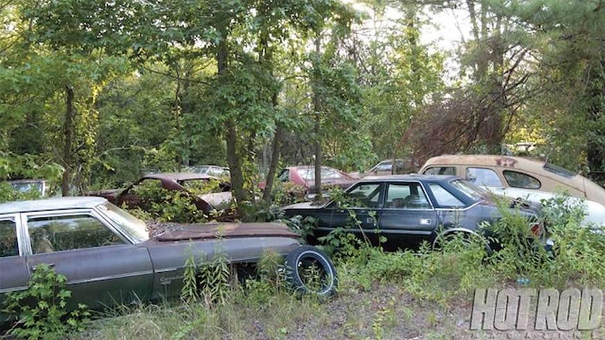 abandoned-dealership-5