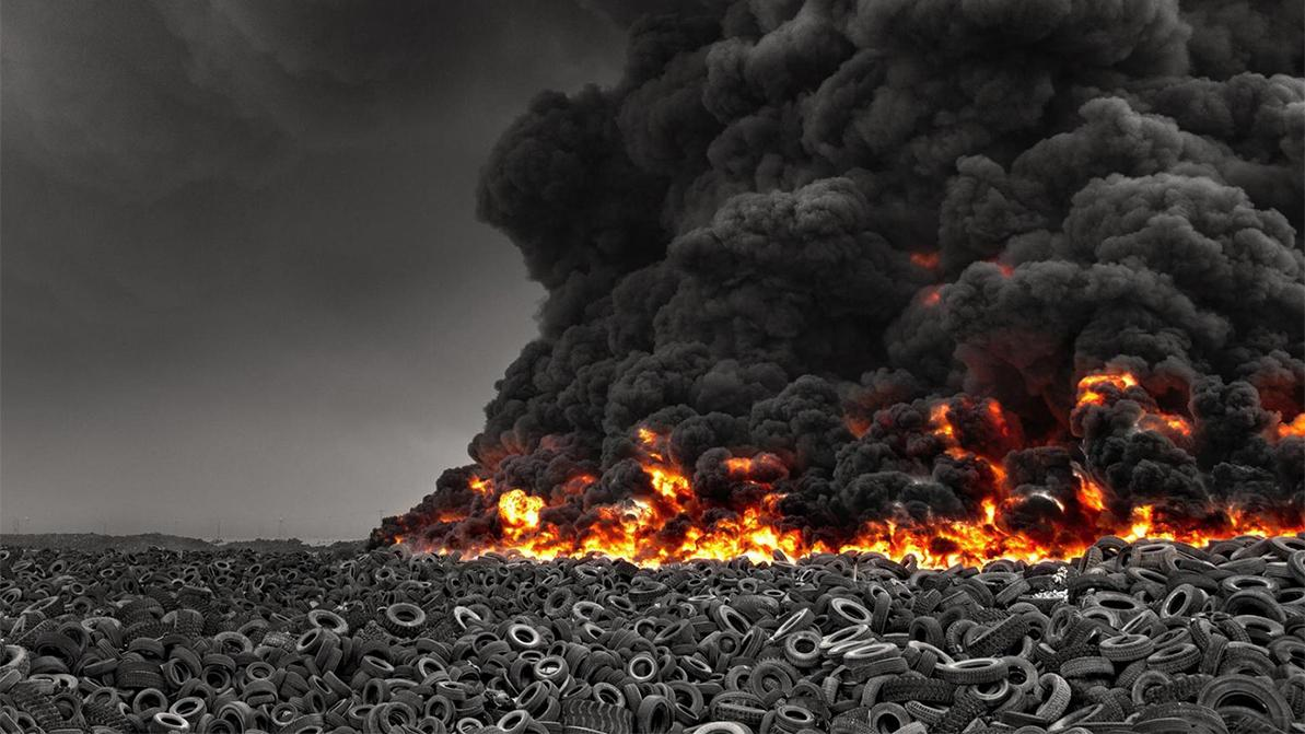 Крупнейшая в мире свалка старых шин горит в Кувейте