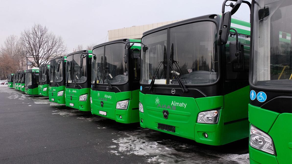 Пока Алматы не выйдет из красной зоны, автобусы по выходным ходить не будут