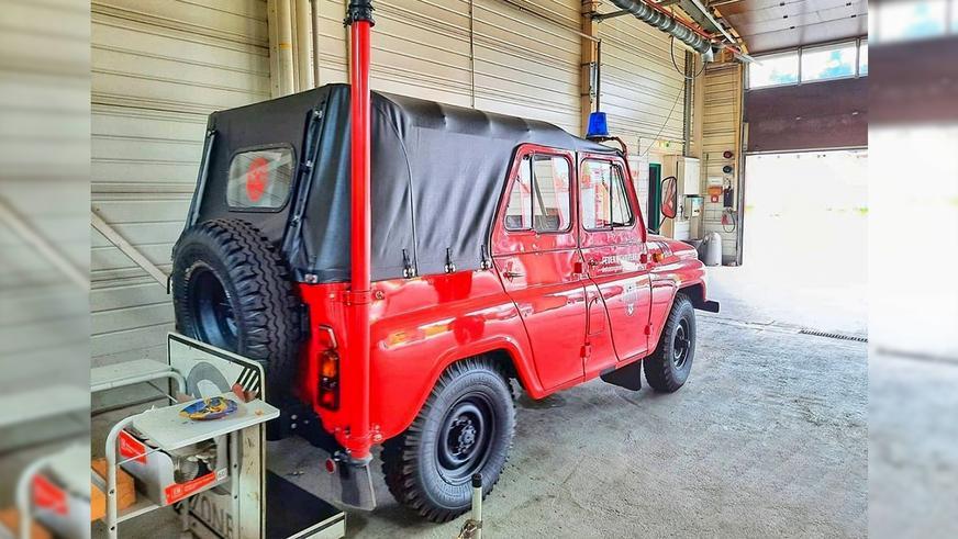 УАЗ из немецкой пожарной службы: зачем нужна труба сзади?