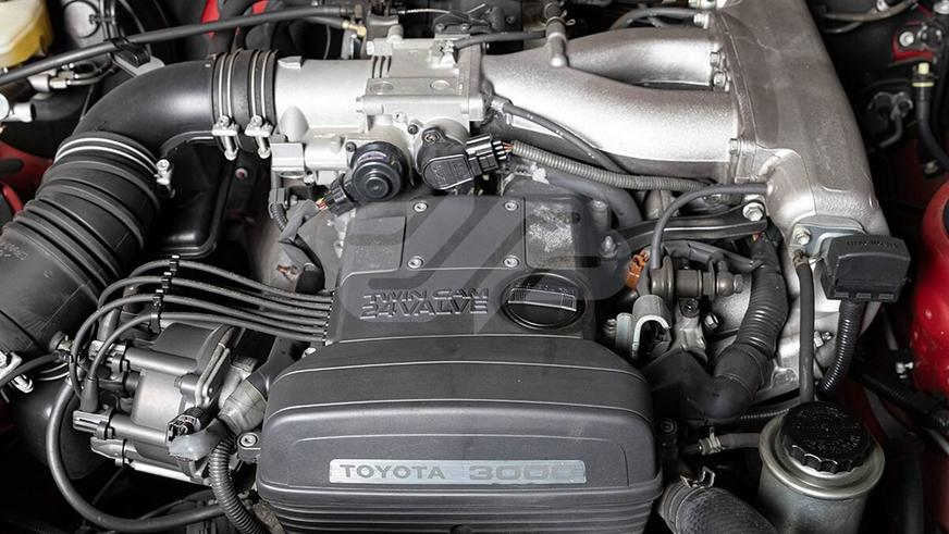 C молотка пустят Toyota Supra, простоявшую 22 года в гараже