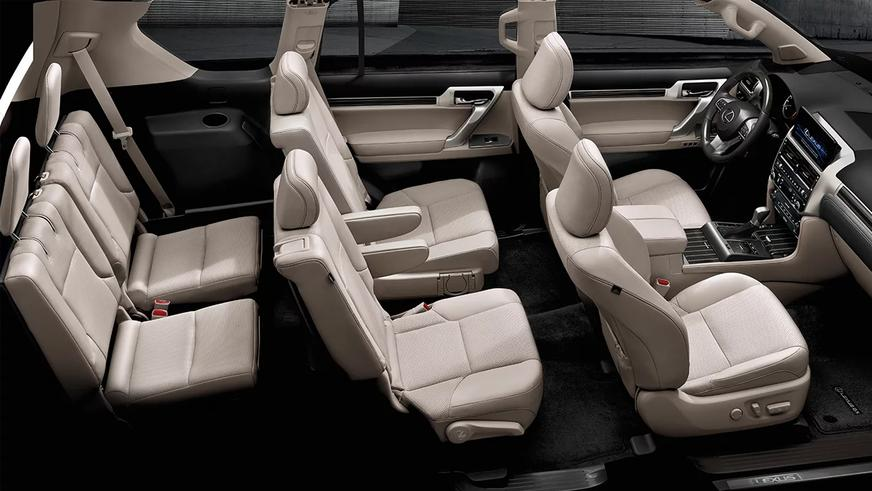 Lexus освежил интерьер внедорожника GX