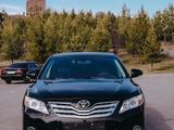 Toyota Camry 2011 года за 7 200 000 тг. в Шымкент – фото 2