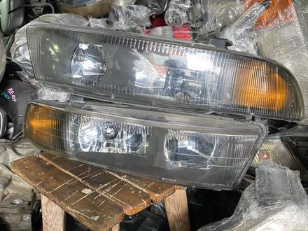 Передний фары Mitsubishi Galant VII (1998-2006) за пару 30000т за 30 000 тг. в Алматы – фото 2