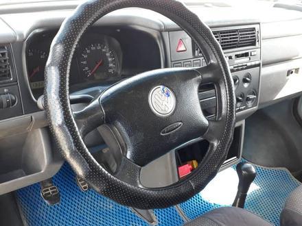 Volkswagen Transporter 2003 года за 4 900 000 тг. в Актобе – фото 2