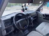 Volkswagen Caravelle 1998 года за 3 500 000 тг. в Караганда – фото 5