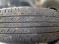 Резина летняя, пара, Bridgestone 205/60 r15 (№ 980) за 50 000 тг. в Темиртау
