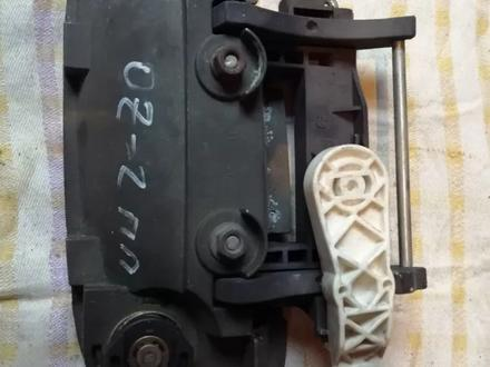 Ручка наружная передняя правая на OPEL Zafira (2001 год) б… за 4 000 тг. в Караганда – фото 2