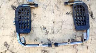 На Мицубиси Делика Delica, 1989-1993 гв передние подножки пара за 25 000 тг. в Алматы