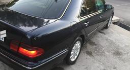 Mercedes-Benz E 240 2001 года за 3 300 000 тг. в Шымкент – фото 2