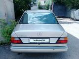 Mercedes-Benz E 260 1990 года за 1 100 000 тг. в Алматы – фото 2