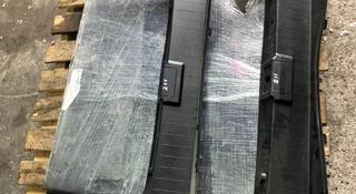 Пластик багажника на Mercedes e320 w211 в Алматы