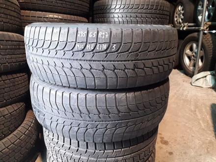 Резина 235/65 r17, Michelin, 2 колеса, из Японии за 20 000 тг. в Алматы
