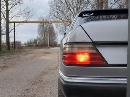 Mercedes-Benz E 300 1991 года за 1 500 000 тг. в Алматы – фото 2