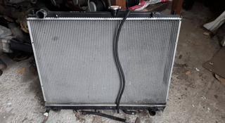 Основной радиатор охлаждения на мицубиси паджеро 4 за 30 000 тг. в Алматы
