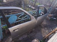 Дверь передняя правая за 10 000 тг. в Алматы
