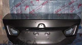 Крышка багажника новая оригинал camry 55 за 7 777 тг. в Караганда