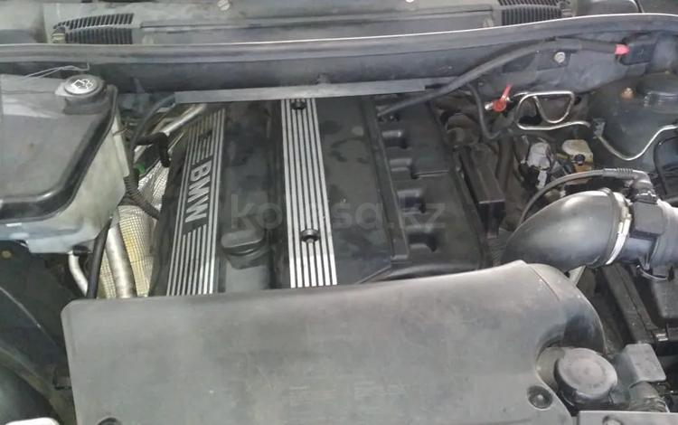 Редуктор передний на BMW X5 E53 3.0об за 30 000 тг. в Алматы